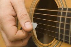 Spielen der Guitarre Lizenzfreie Stockfotografie