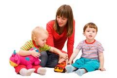Spielen der Kinder stockfotografie