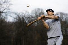 Spielen des Baseball-Spielers Lizenzfreie Stockbilder