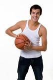 Spielen des Basketballs Lizenzfreies Stockbild