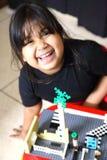 Spielen des kleinen Mädchens Stockbilder