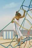 Spielen des kleinen Mädchens im Freien Lizenzfreie Stockbilder