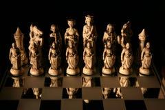 Spielen des Schachs Lizenzfreies Stockfoto