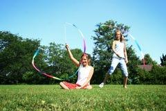 Spielen im Park Lizenzfreie Stockfotos