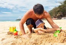 Spielen im Sand Stockfotografie