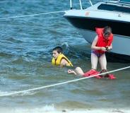 Spielen im Wasser Stockfoto