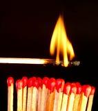 Spielen mit Feuer Lizenzfreie Stockfotografie