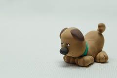 Spielen Sie einen Hund vom Plasticine Lizenzfreie Stockbilder