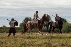 Spielen Sie Kampfwiederinkraftsetzung der Ära des Mongole-tatarischen Jochs in der Kaluga-Region von Russland am 10. September 20 Lizenzfreies Stockbild