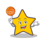 Spielen von Basketball - Star-Charakter-Karikaturart Stockbild