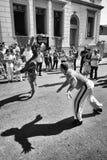 Spielen von Capoeira Lizenzfreie Stockfotos