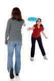 Spielen von Frisbee Stockbild