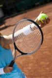Spielen von Tennis Stockbilder