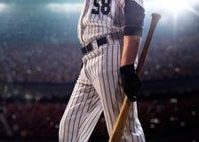 Spieler des professionellen Baseballs in der Aktion stockfotos