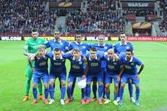Spieler FC Dnipro werfen für ein Gruppenfoto auf Lizenzfreies Stockfoto