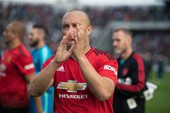Spieler tun einen Schoss Ehre bei Pairc Ui Chaoimh, für das Liam Miller Tribute-Match stockbilder