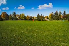 Spielfeld im Park Joliecoeur Stockbild