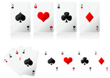 Spielkarten über Weiß Stockfotos