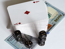 Spielkarten, Würfel und Dollar Lizenzfreie Stockbilder