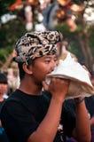 Spielmusik, die für neues Jahr des Balinese sich vorbereitet Stockbilder