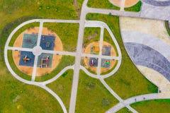 Spielplatz für Kindervogelperspektive Herbsttätigkeiten stockfotografie