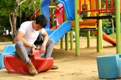 Spielplatz am Park lizenzfreie stockbilder