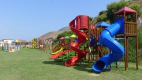 Spielplatz in Totoritas-Strandurlaubsort von Lima, Peru lizenzfreies stockbild