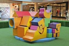Spielplatz vom weichen Spiel formt Module innerhalb der größten Stadt lizenzfreie stockbilder