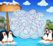 Spielschablone mit penquins auf Eisberg Lizenzfreie Stockbilder