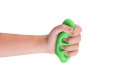 Spielschleim im child& x27; s-Hände lizenzfreies stockfoto