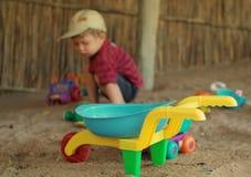 Spielwaren auf Strand Lizenzfreies Stockfoto