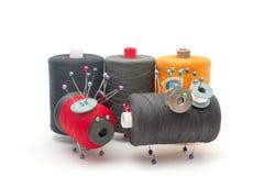Spielwaren hergestellt von den Threads mit einander Stockbilder