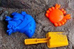 Spielzeug auf Strand Lizenzfreies Stockbild
