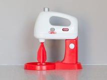 Spielzeug, das Mischer oder Mischmaschine kocht Stockbild