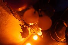 Spielzeug im gelben Licht stockfoto