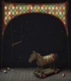 Spielzeugeisenpferd in einem Zirkus Lizenzfreie Stockfotos