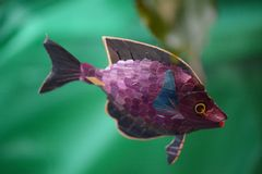 Spielzeugfischschwimmen Stockbild