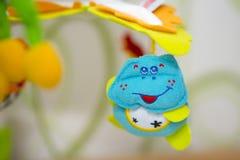 Spielzeugfrosch des bunten Babys Lizenzfreies Stockfoto
