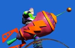 Spielzeuggeschichtensummen-Lichtjahr pixar auf Parade lizenzfreie stockfotos