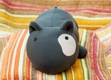 Spielzeughund mit einem großen Auge Stockbild
