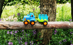 Spielzeuglastwagenreiseabenteuer Stockfoto
