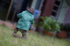 Spielzeugmann machen ein Foto Lizenzfreie Stockfotografie
