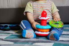 Spielzeugringspielen Lizenzfreies Stockfoto