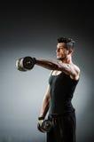 Spier gescheurde bodybuilder stock afbeeldingen