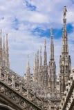 Spiers da catedral de Milão Foto de Stock