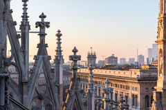 Spiers de Milan Cathedral, Italie Photographie stock libre de droits