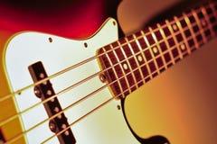 Spigola elettrica di jazz su un indicatore luminoso drammatico immagini stock libere da diritti