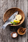 Spigola fresca del pesce crudo Fotografia Stock