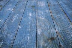 Spikar blå wood bakgrundstextur för tappning med fnuren och hål gammalt målat trä abstrakt bakgrundsblue Royaltyfri Bild