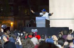 Spike Lee bij Bernie Sanders-verzameling in Washington Square Park, NYC Stock Afbeelding
